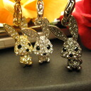 Neck pretending cute ♪ super sparkly ☆ スワロフスキーキラ rabbit strap