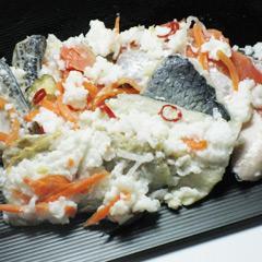 飯寿司は、北のお正月に欠かせない定番の北海道の郷土料理です。冬の北海道の貴重な保存食として伝わり続けています。