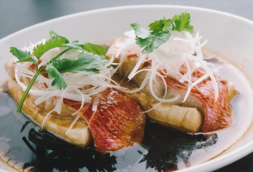 金目と豆腐の蒸し 物