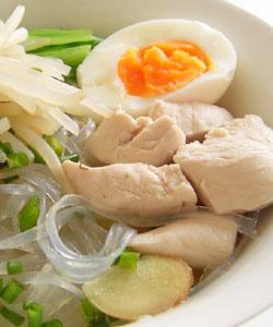 鶏肉とモヤシのスープ春雨