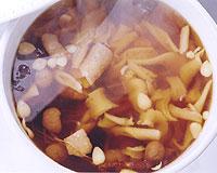 毛人参と鶏肉のじっくり蒸しスープ