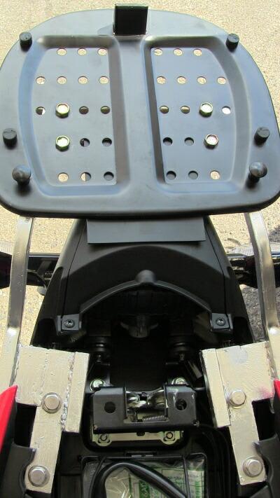 CBR150FI リアボックス取付