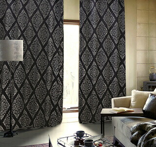 黒色のカーテンの使用イメージ