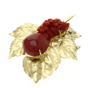 0.08ct Coral Brooch 18K yellow gold  19