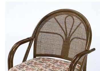 背クッションを取り外せば籐四つ目編み仕様で通気性よくオールシーズン快適にご使用いただけます。