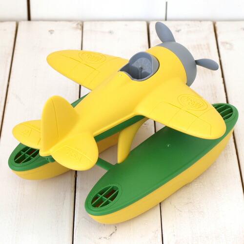深浅不一的生动水上飞机引人注目的玩具.