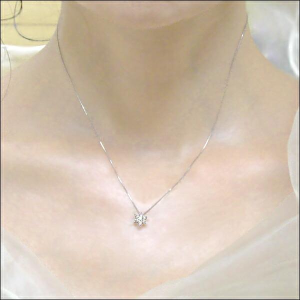 プラチナ900×ダイヤモンド フラワーセブンスターペンダントネックレス