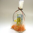 In an entering pattern transparence bag, it is ribbon of orange and the chocolate color
