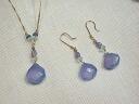 Is refreshing or pastel purple! Feel the fresh fall air k18 blue chalcedony earrings ( earrings )
