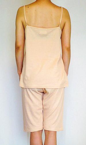 オーガニックパジャマの背面写真
