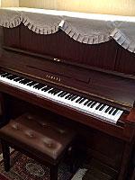 ヤマハピアノ W107