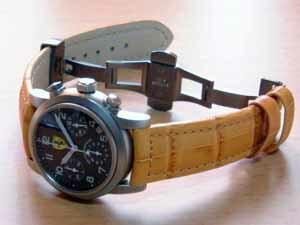 時計ベルトをモレラートのボテロに交換したジラール・ペルゴプールフェラーリ