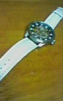 時計ベルトをモレラートのティポブライトリングに交換したZENO