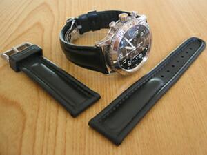 時計ベルトをモレラートのCAYMANに交換したBREGUET TYPE XX AERONAVALE