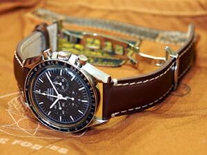 時計ベルトバックルをモレラートのDEPLOJANTE/2に交換したOMEGA Speedmaster PROFESSIONAL