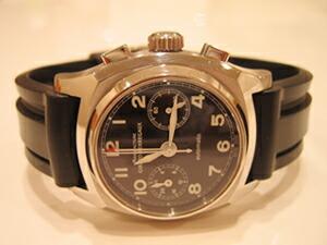 時計ベルトをモレラートのマリナーに交換したジラールペルゴビンテージ1960