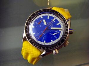 時計ベルトをモレラートのスピードに交換したオメガ スピードマスターシューマッハモデル