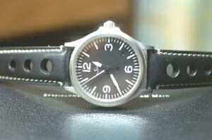時計ベルトをモレラートのジョットに交換したSinn656