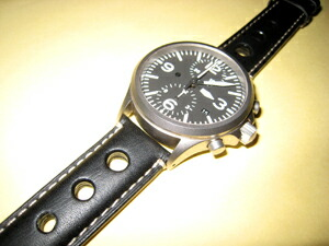 時計ベルトをモレラートのジョットに交換したSinn756テギメント