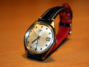 時計ベルトをモレラートのルソーに交換したLONGINES ULTRA CHRON('68)