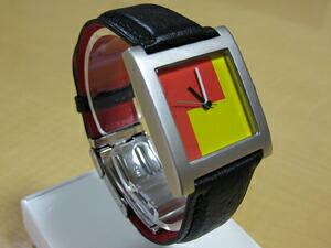 時計ベルトをモレラートのジュードーに交換したACME WATCH DE STIJL