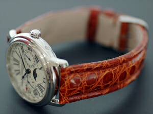 時計ベルトをモレラートのティポブライトリングに交換したフレデリック・コンスタント