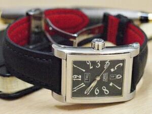 時計ベルトをモレラートのフィットネスに交換したOrisレクタングラー・デイデイト