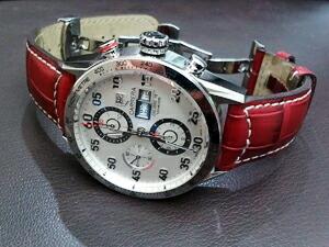 時計ベルトをモレラートのグットゥーゾに交換したタグホイヤーカレラデイデイト