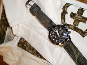 時計ベルトをモレラートのクリケットカモフラージュに交換したSINN103