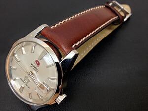 時計ベルトをモレラートのエリートに交換したRADO Golden Horse
