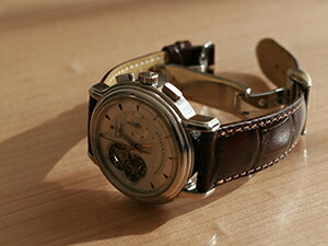 時計ベルトをモレラートのルイジアナに交換したZenithクロノマスターT-open