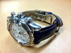 時計ベルトをモレラートのプラスに交換したブライトリング クロノマット