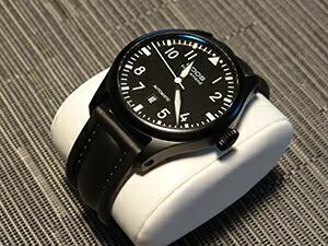 時計ベルトをモレラートのケイマンに交換したEPOSビッグパイロット