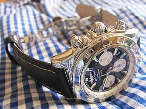 時計ベルトをモレラートのプラスに交換したブライトリング クロノマット44