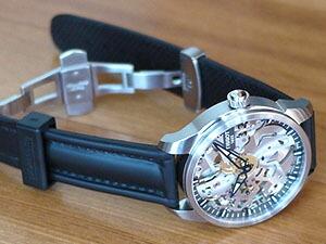 時計ベルトをモレラートのケイマンに交換したティソT-コンプリカシオンスケレッテ