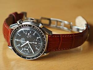 時計ベルトをモレラートのサンバに交換したOMEGA SPEEDMASTER AUTOMATIC