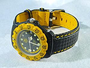 時計ベルトをモレラートのバイキングに交換したタグ・ホイヤー フォーミュラ1