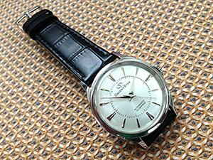 時計ベルトをモレラートのボーレに交換したオリエントスター