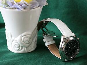 時計ベルトをモレラートのボーレに交換したオメガスピ−ドマスタ−オ−トマチック