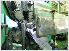 CNCコイリングマシン
