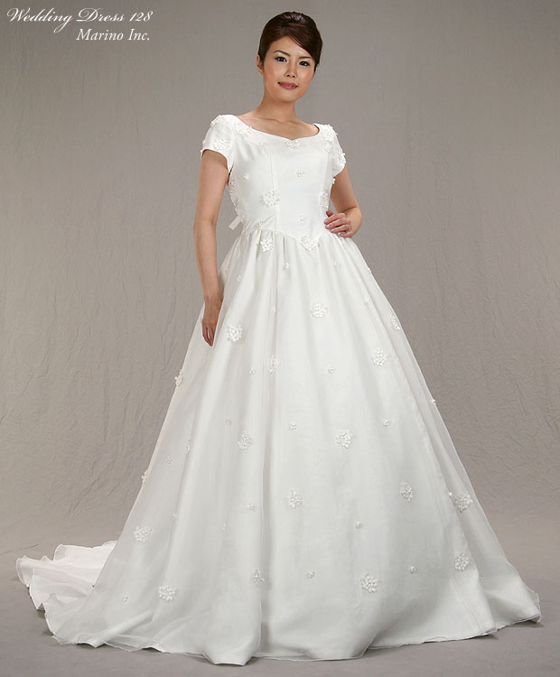 Marino rakuten global market a dress rental of the for Las vegas wedding dress rental