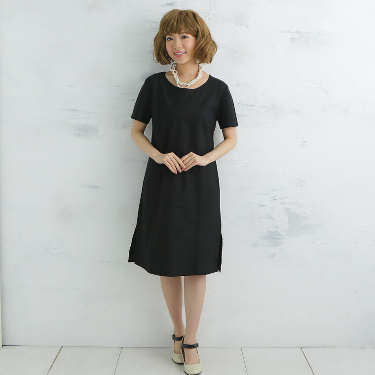 黒半袖ワンピ