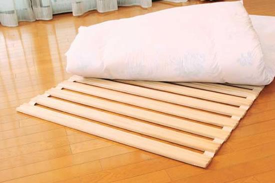 折りたたみすのこベッドで快眠