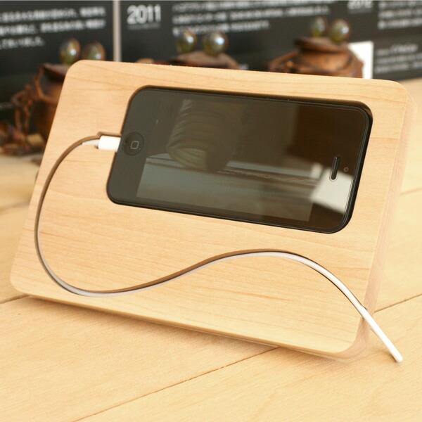 コードの流れまでデザインしたiPhone5の新しいスタイル