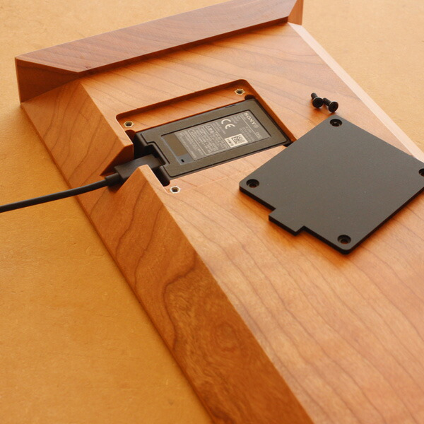 Xperia専用卓上ホルダを組み込んで使用