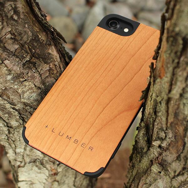 手触り良い塗装を施した木製アイフォン7ケースは適度なグリップ感