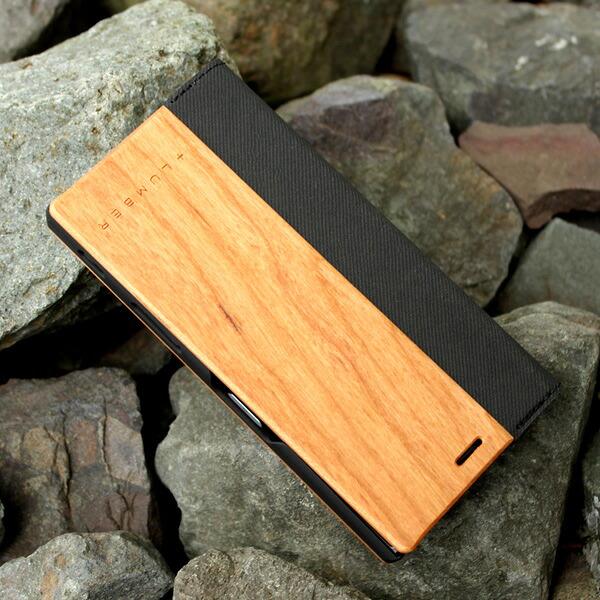 手触り良い塗装を施した木製エクスペリアXZケース