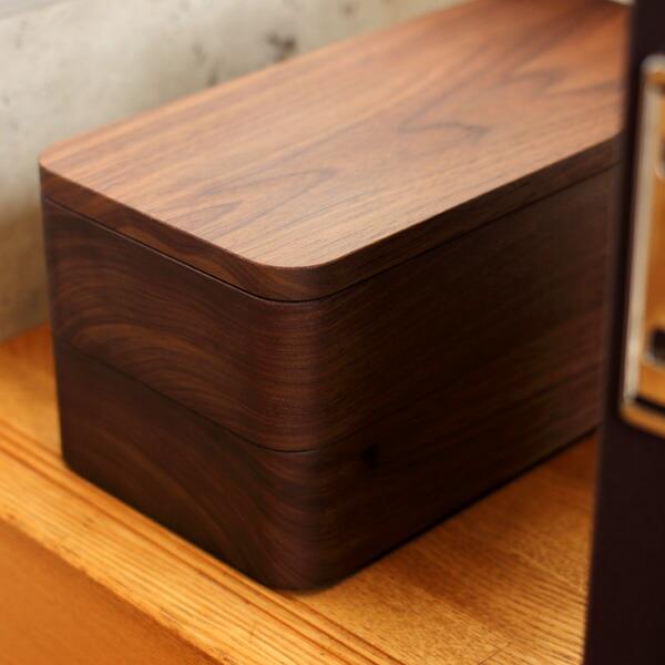 重厚感漂う高級木製印鑑ケース。社長や上司へのプレゼントに。