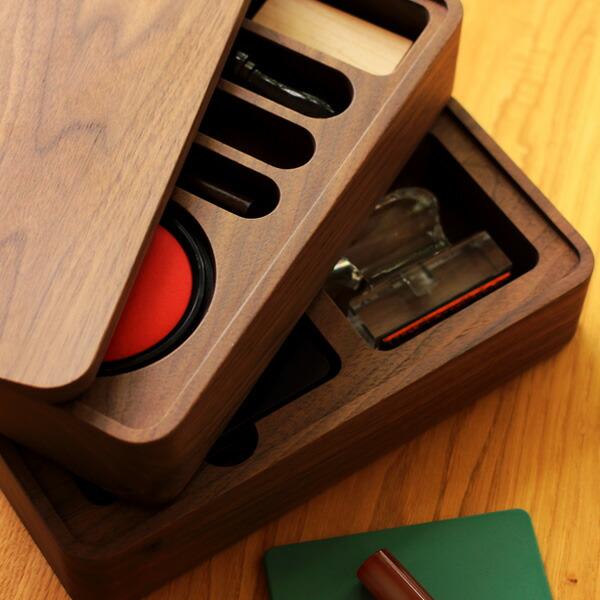 集成材とアイアンを組み合わせた木製スツール「PIPE STOOL」