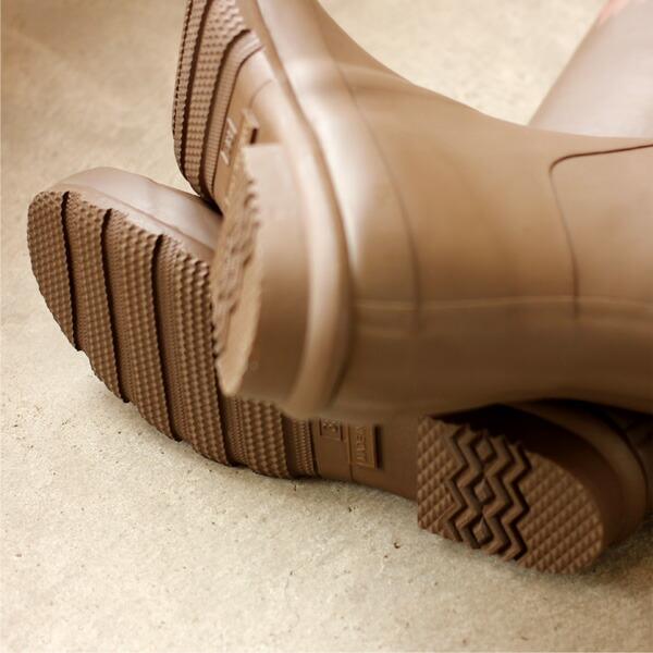 アウトドアや野外フェスでも活躍するおしゃれな長靴